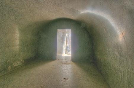 """""""Magnífica entrada a las cuevas excavadas en la roca Vapiyaka """" D7320-4_s"""