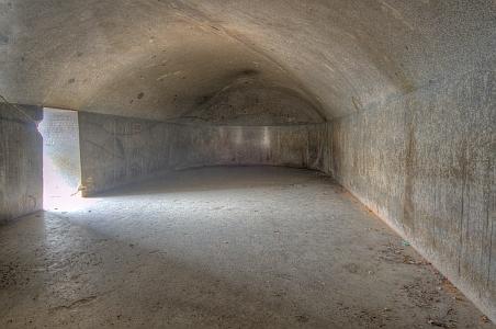 """""""Magnífica entrada a las cuevas excavadas en la roca Vapiyaka """" D7339-43_s"""