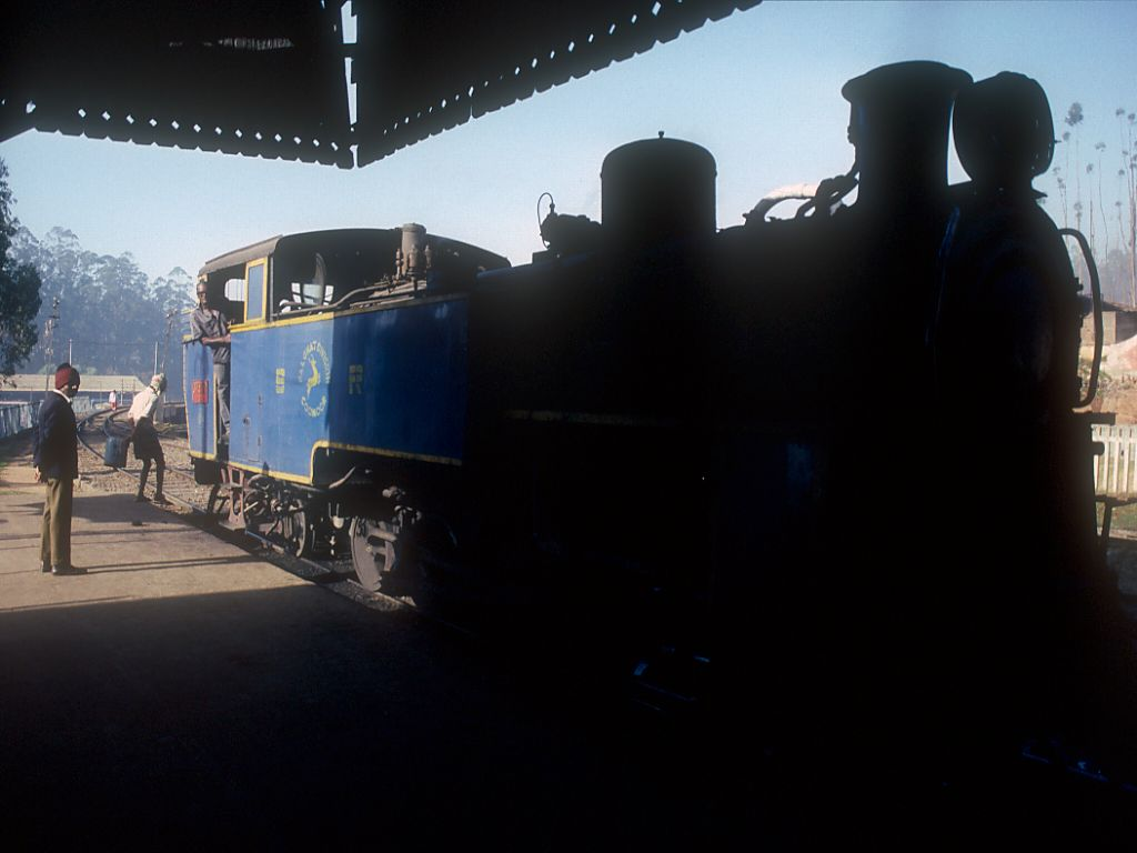 steam engine in hindi